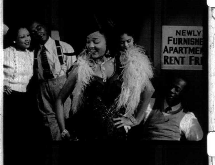 Dorothy Dandridge (center) sings in the soundie Easy Street (1941)